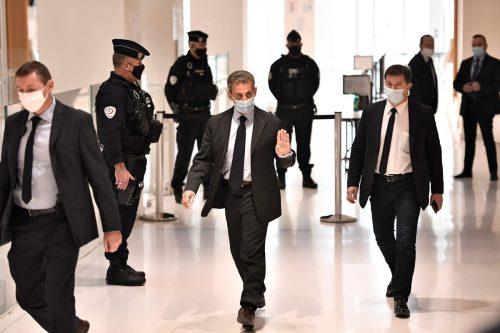 Der französische Ex-Präsident NicolasSarkozyhat vor Gericht die Vorwürfe der Bestechung und unerlaubter Einflussnahme zurückgewiesen. AFP