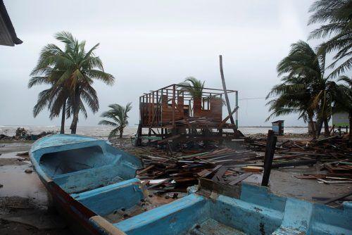 Der Hurrikan richtete an der Küste erhebliche Schäden an. Reuters
