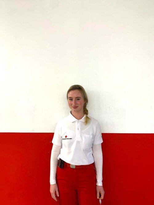 Die 18-jährige Lauteracherin ist seit Anfang September Teil des Roten Kreuzes.