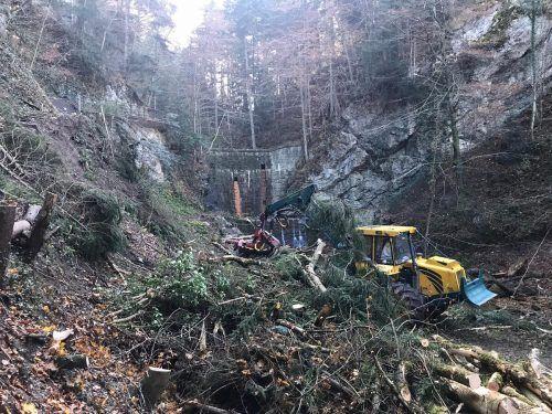 Die Arbeiten im Bereich des Wasserfalls sind zwar abgeschlossen, jedoch ist der Wanderweg noch für einige Tage nur erschwert passierbar. Marktgemeinde