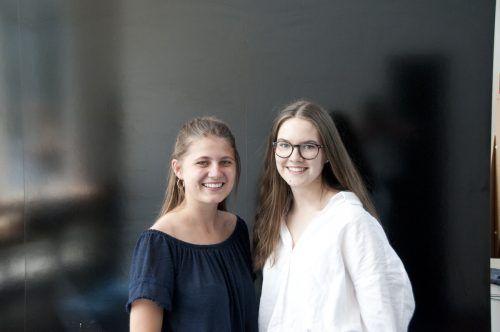 Die beiden Maturantinnen Katharina Rusch und Amelie Fussenegger.