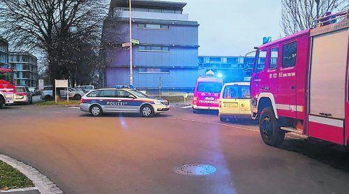 Die Bewohner des Mehrparteienhauses in der Achstraße verständigten die Einsatzkräfte. FW Hard