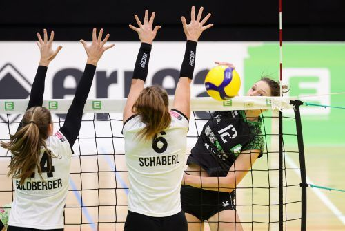 Die Dornbirnerin Ursula Ehrhart (r.) holte im Steirerderby 14 Punkte.GEPA