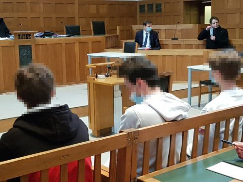 Die drei Angeklagten haben einiges auf dem Kerbholz. EC