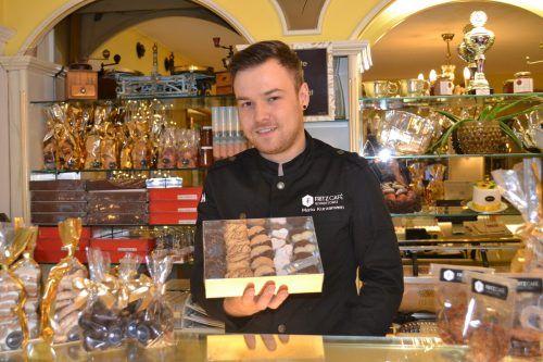 Die ersten weihnachtlichen Leckerein hat Mario Kurzamann vom Bludenzer Café Fritz bereits im Angebot.BI