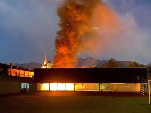 Die Flammen waren weithin sichtbar.