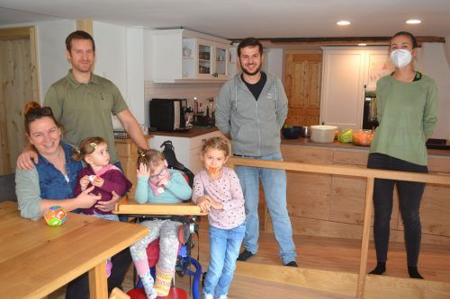 Die fünfköpfige Familie Fritz bekommt etwa einmal wöchentlich Unterstützung von Mitarbeitern der Familienhilfe.Caritas