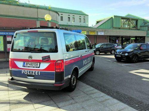Die Keilerei am Bregenzer Bahnhof beschäftigte zunächst die Polizei und nun auch das Bezirksgericht Bregenz. SYMBOL/VN/RAUCH