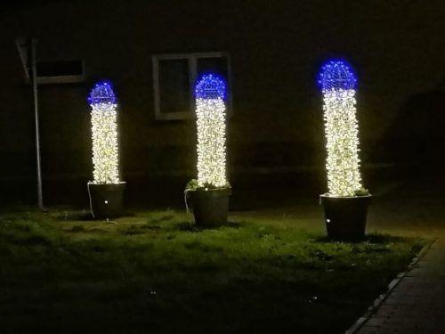 Die Lichter sollten eigentlich an Weihnachtskerzen erinnern. Reddit