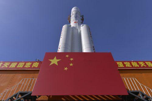 """Die mehr als 800 Tonnen schwere Rakete des Typs """"Langer Marsch 5"""". AP"""