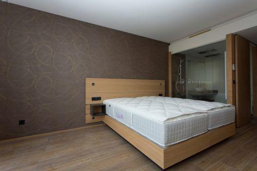 Die meisten Hotelbetreiber rechnen weiterhin mit leeren Betten.VN/Paulitsch