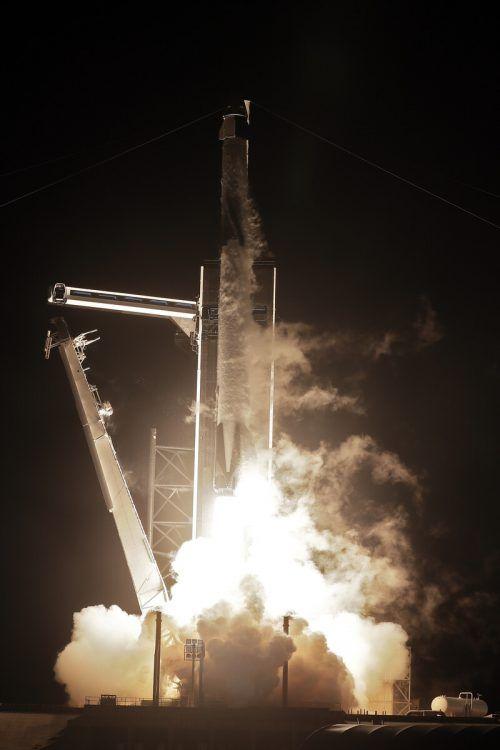 """Die neu gestaltete """"Crew Dragon""""-Kapsel startete vom Nasa-Weltraumbahnhof. ap"""