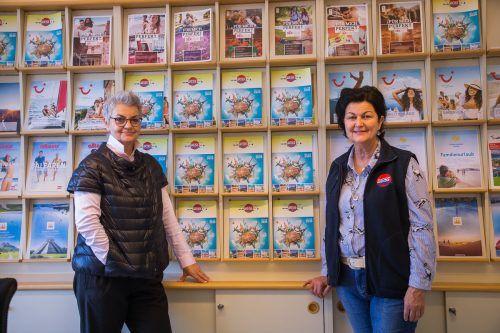 Die Reiseunternehmerinnen Annelies Weiss (r.) und Andrea Füssinger hoffen, dass 2021 wieder ein gutes Reisejahr wird. vn/Steurer