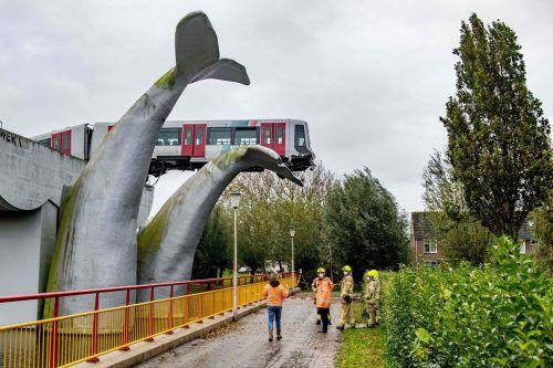 Die Skulptur eines niederländischen Künstlers verhinderte Schlimmeres.reuters