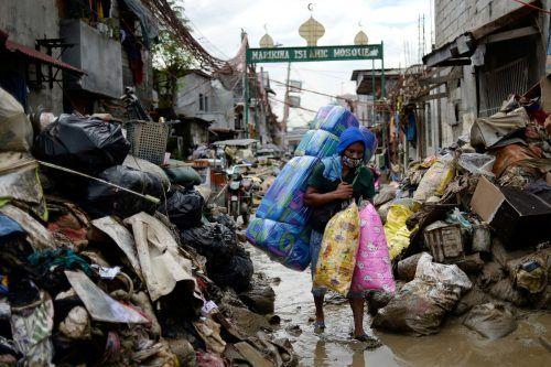 """Ein Bild der Zerstörung zeigt sich in Marikina, nachdem der Taifun """"Vamco"""" auf den Philippinen gewütet hat. 67 Menschen sind gestorben. reuters"""