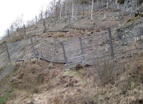 Entlang der Arlbergbahnstrecke sollen neuen Schutznetze errichtet werden.ÖBB