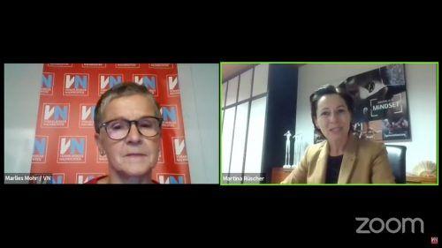 """"""" Es geht um klare Vorgaben"""", betont Gesundheitslandesrätin Martina Rüscher (r.) im Gespräch mit VN-Redakteurin Marlies Mohr.VN"""