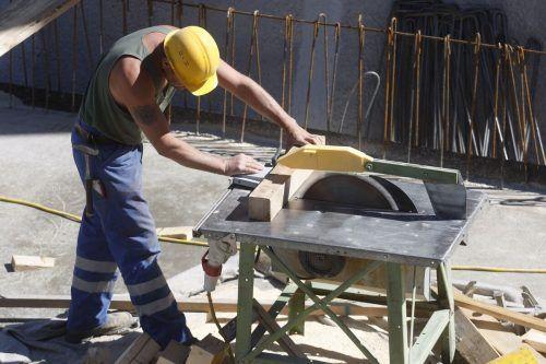 Es häufen sich Fragen über Maßnahmen auf Baustellen. APA
