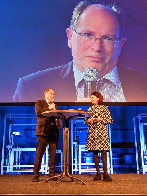 Gerhard Blum auf der Bühne der Top-100-Veranstaltung.