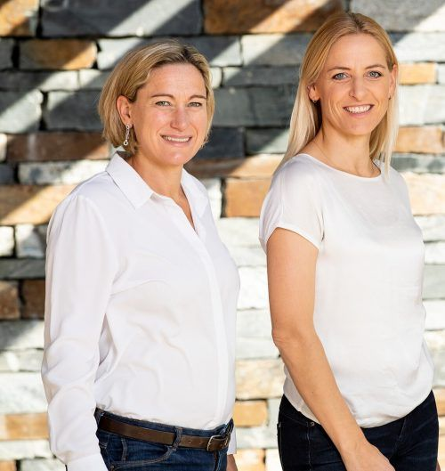 Helga Boss (l.) und Heidi Winsauer haben auf ihrer Homepage viele Ideen gegen Familienlangweile gesammelt.Patrick Steiner