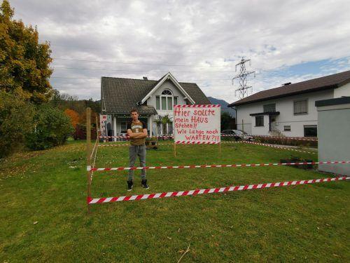 Hier möchte Manuel Feldmann sein Haus bauen. Vor 30 Jahren hat die Familie - wie vorgeschrieben - Platz geschaffen. Nun darf er nicht mehr.