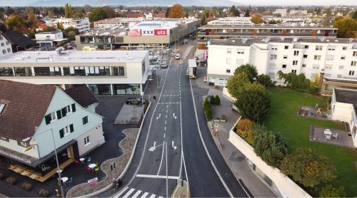 Im Zuge der XXXLutz-Erweiterung wurden auch rund 800.000 Euro in die Adaptierung der Karl-Höll-Straße samt Kreuzungsumbau investiert.