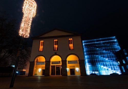 In Bregenz setzt unter anderem das Landestheater ein sichtbares Zeichen gegen Gewalt an Frauen.VN/Paulitsch