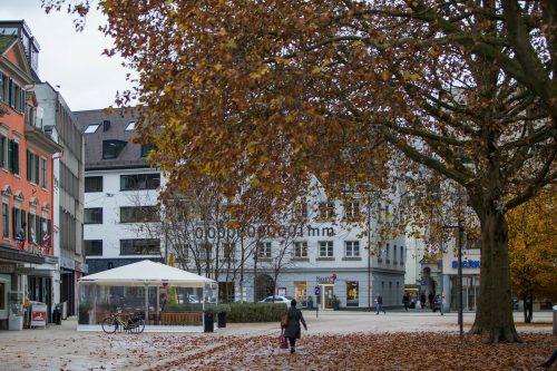 In Bregenz sind deutlich weniger Menschen unterwegs.VN