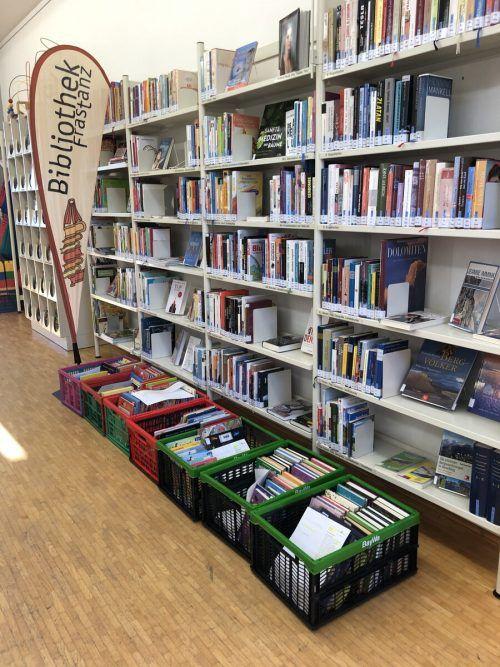 In Frastanz werden auch Überaschungspakete zusammengestellt. Bibliothek