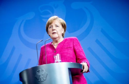 Kanzlerin Merkel: Neun Mal weniger Geld für Inserate. APA