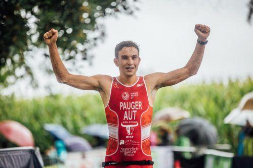 Leon Pauger vom Team Tri Dornbirn startet in Valencia.