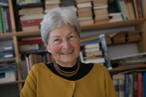 Lesen gehört zu den Lieblingsbeschäftigungen von Hildegard Breiner. Hartinger