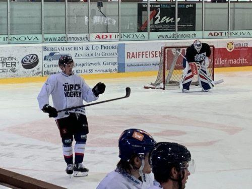 Mit dem Training auf dem Eis muss Marco Rossi noch warten.ko