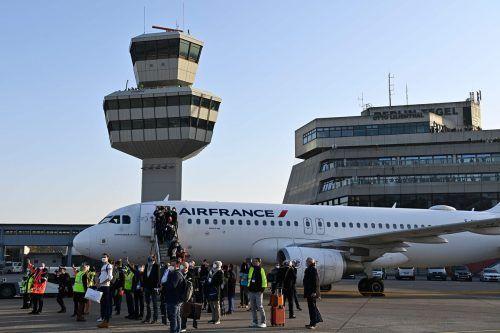 Nach jahrelangem Warten auf den BER ist der alte Berliner Innenstadtflughafen außer Dienst gegangen.AFP