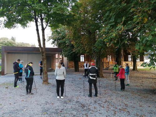 Nordic Walker und auch Läufer treffen sich beim Schäflegarten, um gemeinsam loszuziehen.Michael Koschat