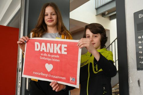 Per Plakat aus den VN konnten die Vorarlberger ein Zeichen des Dankes an die Personen, die die Gesellschaft am Laufen halten, setzen.