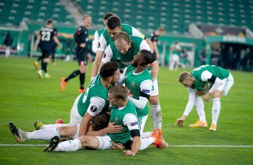 Riesenjubel bei Rapid nach dem 4:3-Heimsieg über den irischen Klub Dundalk.apa