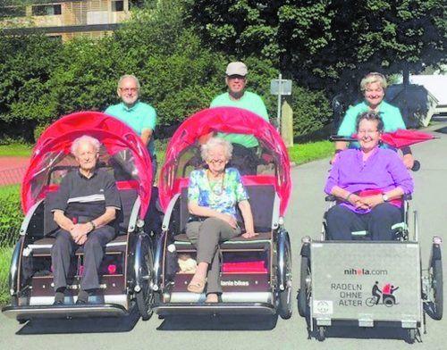 Rikschafahrten für betagte Senior(inn)en bringen Lebensfreude.
