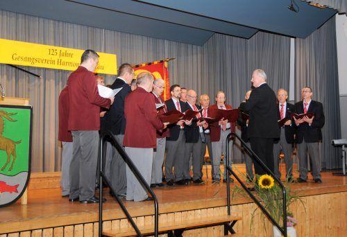Sänger aus Gaißau und Rheineck mit Chorleiter Otto Mattle beim 125-Jahr-Jubiläum des Männergesangvereins Harmonie Gaißau. AJK/2