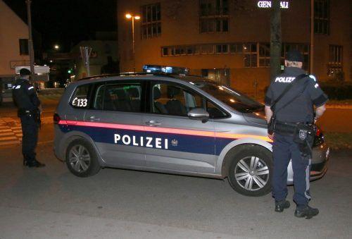Sofort nach Bekanntwerden des Terrorakts in Wien war auch die Vorarlberger Polizei in Alarmbereitschaft. VOL.AT/Pletsch