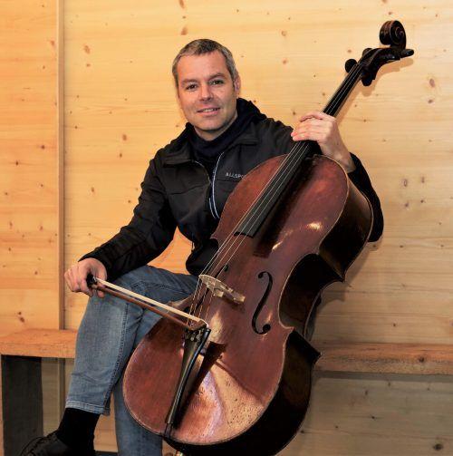 Stefan Susana ist gefragt Cellist, leitet einige Orchester und hat in Weiler ein kleines Festival aufgebaut. Roswitha fritz