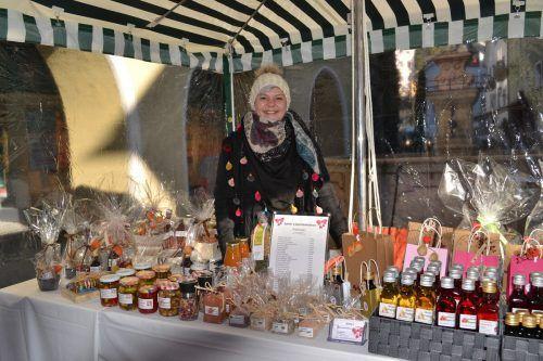 Sylvia Jenni bietet biologische Produkte in Geschenkskistchen an.