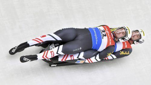 Thomas Steu (v.) und Lorenz Koller meldeten sich nach ihrer Verletzungspause mit einem Sieg an der Weltspitze zurück. AP