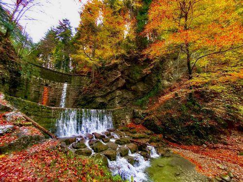 Wasserfall in der Örflaschlucht. Stefan Kresser