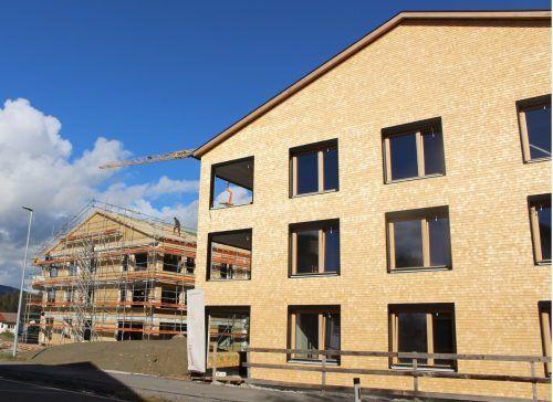 """""""Wohnraum"""" (im Bild Projekt in Krumbach) war und ist ein Schwerpunkt – jetzt steht besonders die Bereitstellung von Betriebsgebieten im Fokus."""