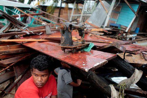 Zahlreiche Häuser wurden durch den Tropensturm zerstört. Reuters