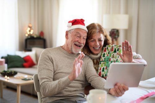 Auch ohne persönlichen Kontakt und gemeinsame Feiern, kann Weihnachten schön werden. Shutterstock