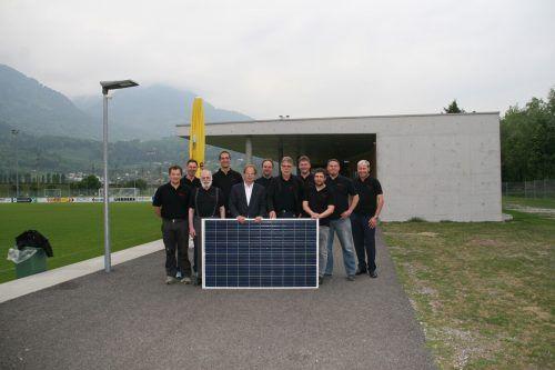 Auf dem Clubheim des FC Nenzing wurde eine Fotovoltaikanlage per Bürgerbeteiligung realisiert.EM