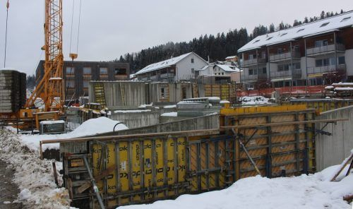 Die Bauarbeiten bei der Wohnanlage Schnoran II in Doren liegen genau im Zeitplan. Die Fertigstellung ist für den Spätherbst vorgesehen.