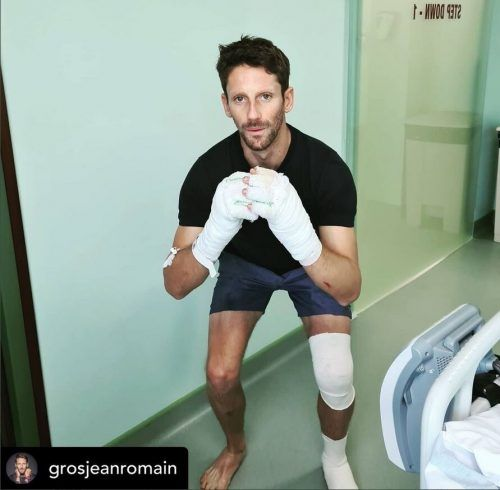Bevor die Verbände von den Händen entfernt wurden, versuchte Romain Grosjean sich an Kniebeugen. Twitter
